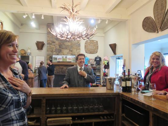 Charlottesville, VA: Geeky Wine Trail Guides!