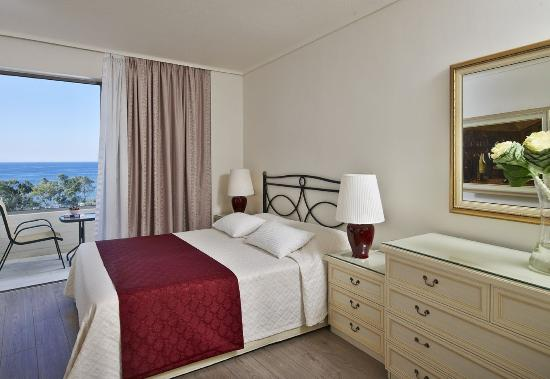Vouliagmeni, Greece: SENIOR SUITE