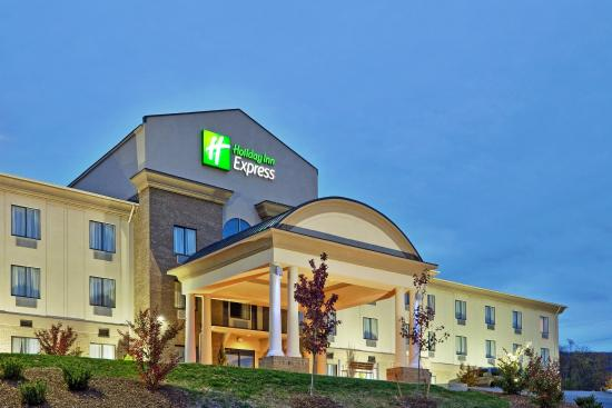 Troutville, VA: Day Or Night, Our Hotel Is The Perfect Destination
