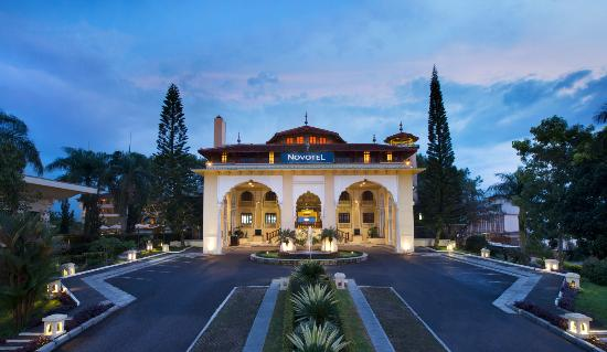 The Hills Bukittinggi Hotel & Convention