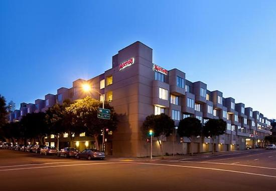 Fisherman's Wharf Hotel in San Francisco | Courtyard Marriott