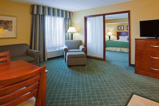 Holiday Inn Express Coon Rapids