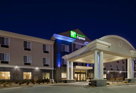 Holiday Inn Express Hotel & Suites Pittsburg
