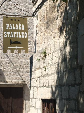 Palace Stafileo Apartments