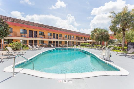 Super 8 Motel Naples/Marco Island