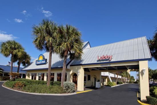 Days Inn Cocoa Beach Port Canaveral Hotel