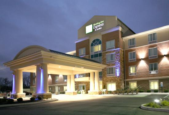 Holiday Inn Express Suites Mason