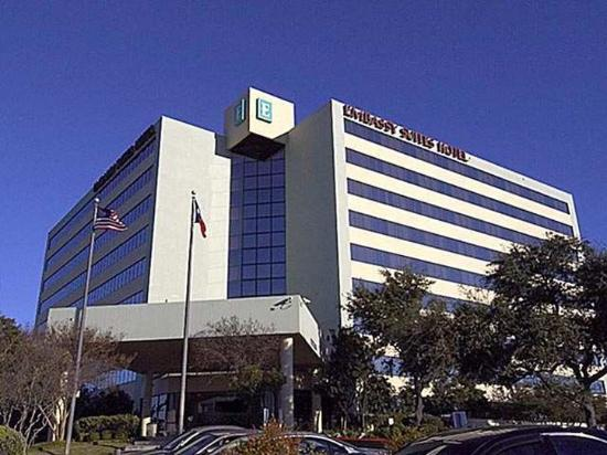Embassy Suites Hotel San Antonio International Airport