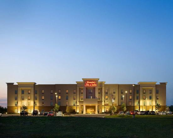 Hampton Inn & Suites Wichita-Northeast