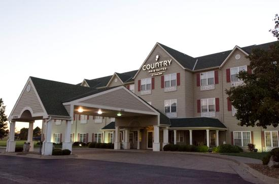 Country Inn & Suites By Carlson Salina