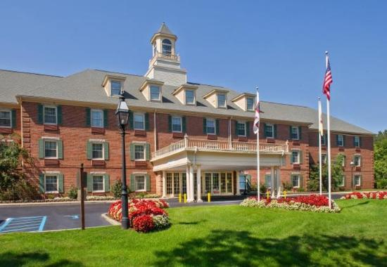 Courtyard By Marriott Tinton Falls