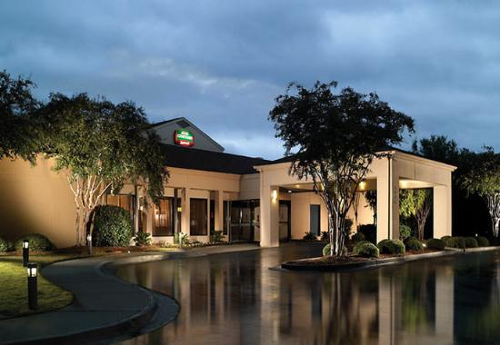 Courtyard By Marriott Macon