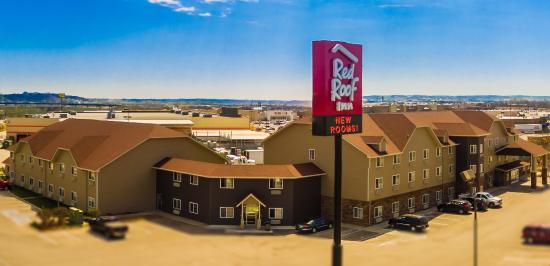 Red Roof Inn & Suites Omaha - Council Bluffs