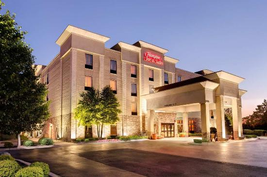 Hampton Inn & Suites Addison