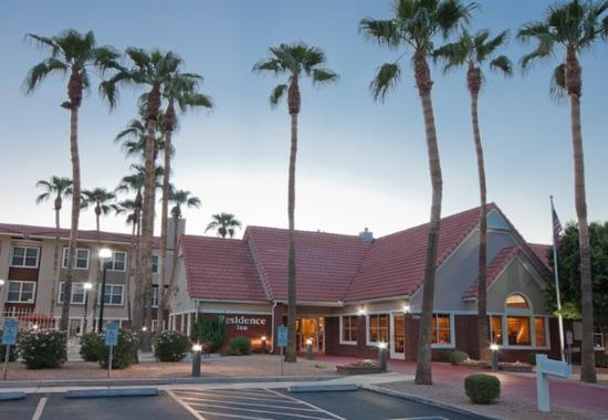 Residence Inn Phoenix Chandler / Fashion Center
