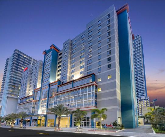 Hampton Inn & Suites by Hilton - Miami/Brickell-Downtown Hotel