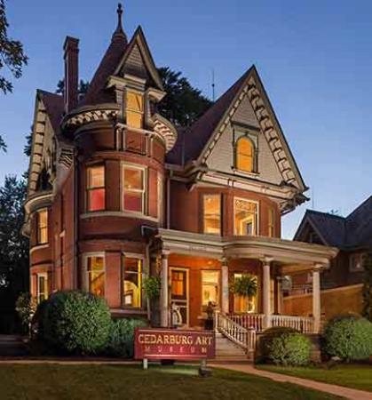 A Must See Historic Mansion In The Heart Of Cedarburg Wi