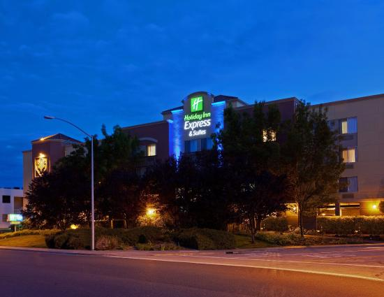 Holiday Inn Express Suites Belmont