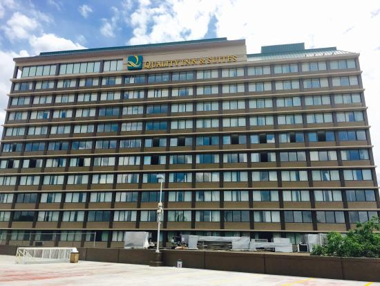 Quality Inn Suites Cincinnati Downtown Oh 2017 Hotel Review Family Vacation Critic
