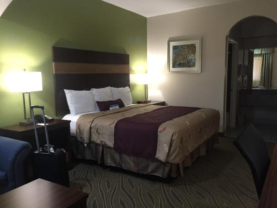 Americas Best Value Inn & Suites - Downtown