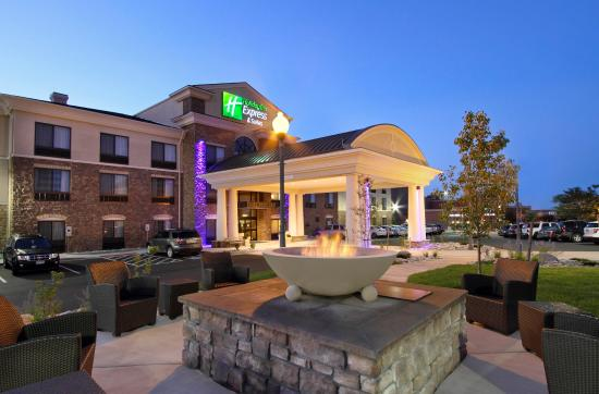 Holiday Inn Express and Suites Colorado Springs First and Main Photo