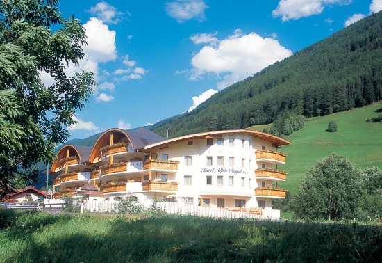 Alpin Royal Wellness And Resort