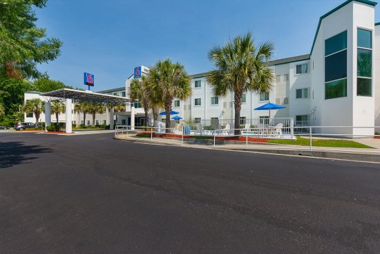 Motel 6 Columbia East