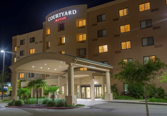 Courtyard Biloxi North / D'Iberville