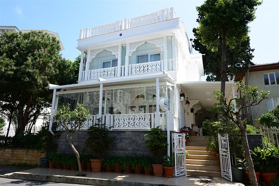 White Palace Otel