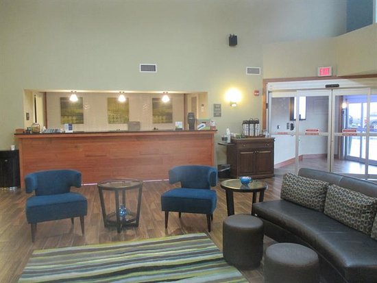 Country Inn & Suites By Carlson, Menomonie