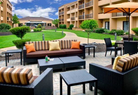 Courtyard By Marriott Syracuse Carrier Circle