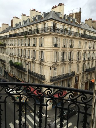 Champs Elysees Plaza Hotel