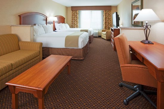 Holiday Inn Express Hotel & Suites Mitchell