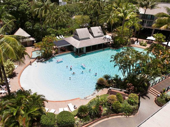 Novotel Cairns Oasis Resort