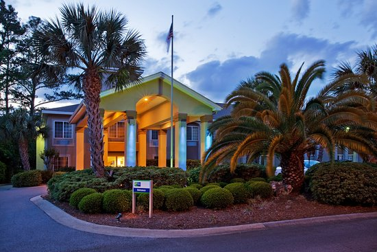 Holiday Inn Express St. Simon's Island Photo Courtesy of Holiday Inn Express St. Simon's Island