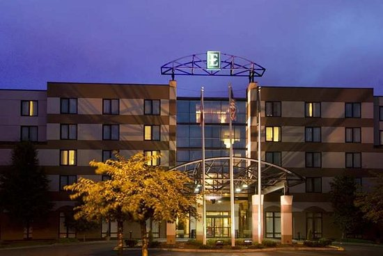 Embassy Suites by Hilton Seattle North Lynnwood