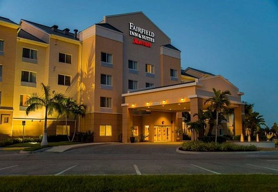 Fairfield Inn And Suites Long Island