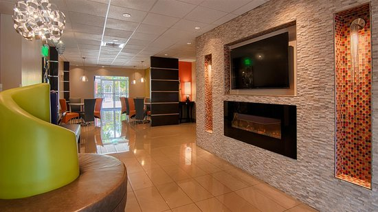 Days Inn & Suites Bonita Springs North Naples Photo