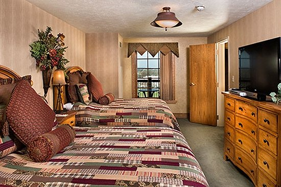 The Keeter Center at College of the Ozarks - Lodging