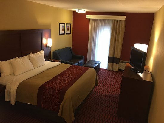 Holiday Inn Express Lancaster-Rockvale Outlets