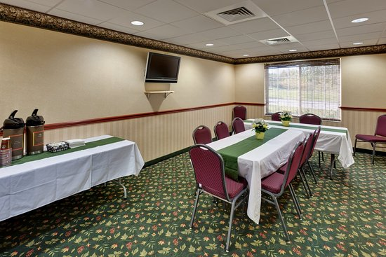 Country Inn & Suites By Carlson, Clinton I-75