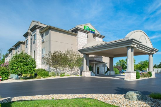 Holiday Inn Express Bucyrus