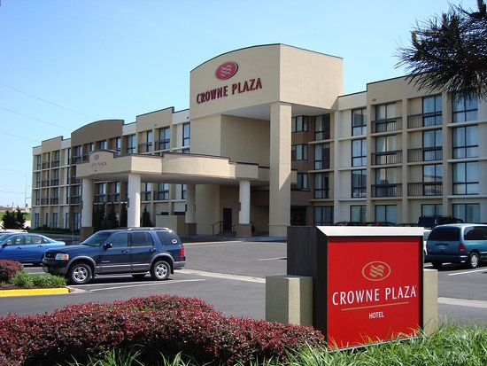 Crowne Plaza Hotel Kansas City - Overland Park
