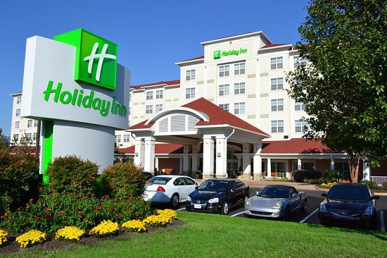 Holiday Inn Norfolk Airport Hotel