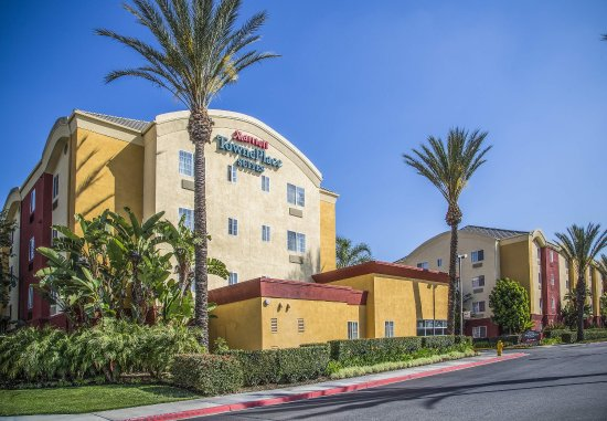 TownePlace Suites Anaheim Maingate Near Angel Stadium