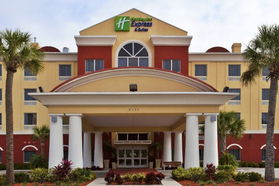 Holiday Inn Express & Suites St. Petersburg North I-275 Hotel