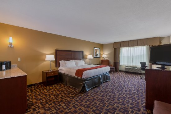 Holiday Inn Express & Suites Salina