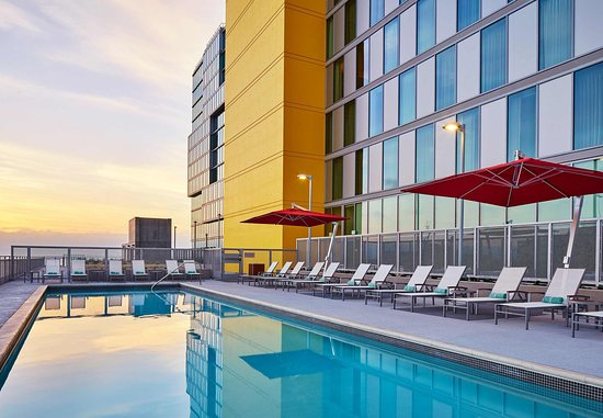 SpringHill Suites San Diego Downtown/Bayfront Hotel