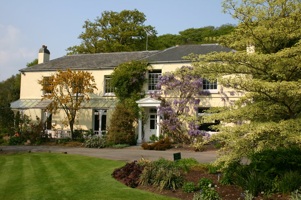Rosemoor House Apartments
