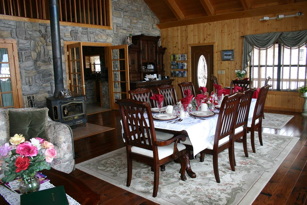 Elkwood Manor Luxury Bed & Breakfast